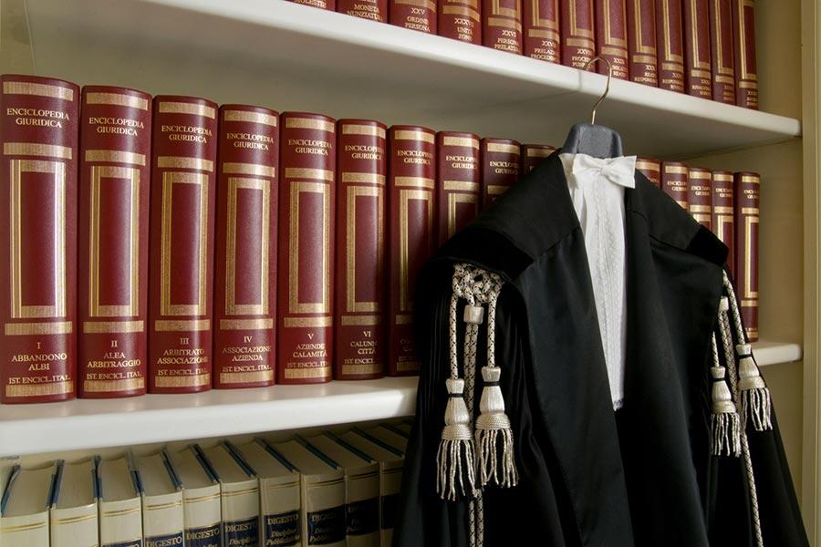 Ddl concorrenza. Ultimi emendamenti su società tra avvocati e posti notarili