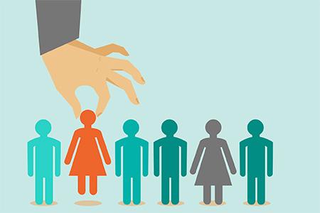 Uomini e donne, stessi requisiti di altezza. Esclusione dal concorso discriminatoria